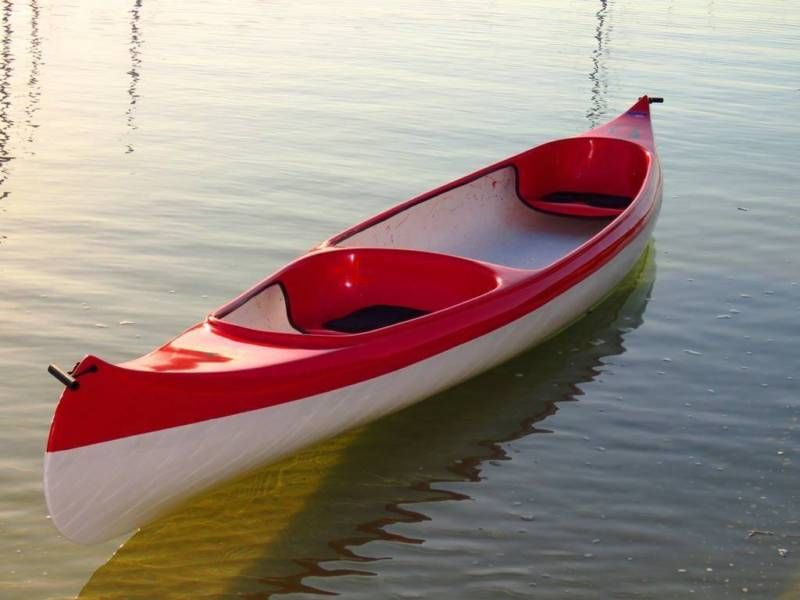 Brand new 5.2m FG two-seater canoe with 2 wooden paddles